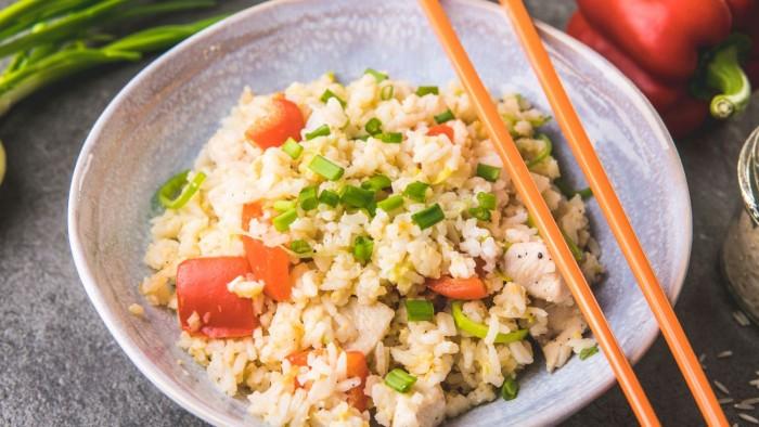 Ryż smażony z kurczakiem - krok 4