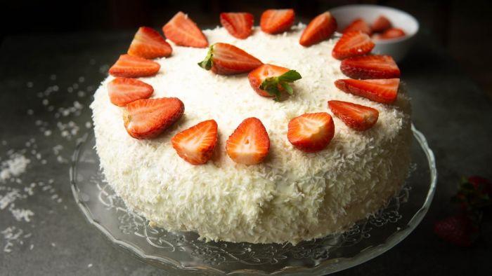 Tort truskawkowy - krok 6