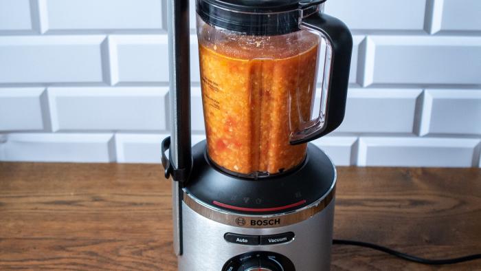 Krem soczewicowy na pomidorówce z jarmużem - krok 2