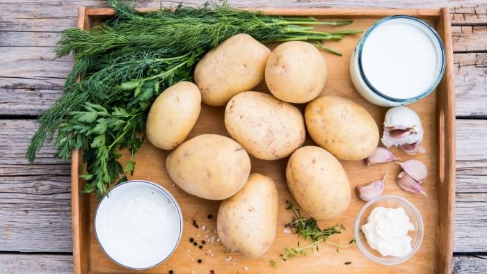 Ziemniaki z grilla z sosem ranczerskim - krok 2