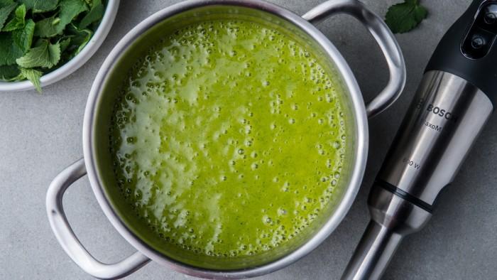 Zupa z pokrzywy - krok 3