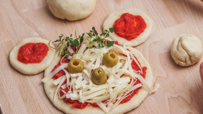 Mini pizza dla dzieci - krok 4