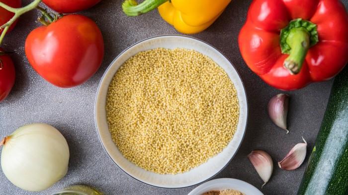 Kasza jaglana z duszonymi warzywami - krok 1