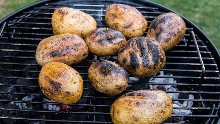Ziemniaki z grilla z sosem ranczerskim - krok 3