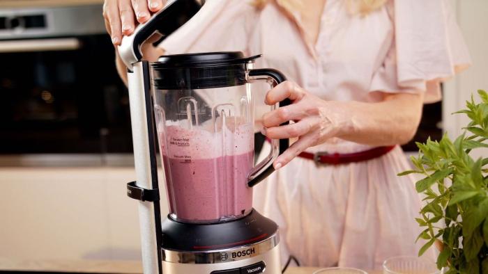 Śniadaniowe fit smoothie ze świeżymi owocami  - krok 1