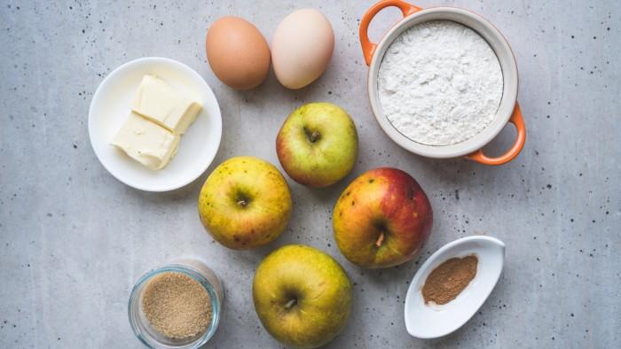 Tradycyjna tarta jabłkowa - krok 1