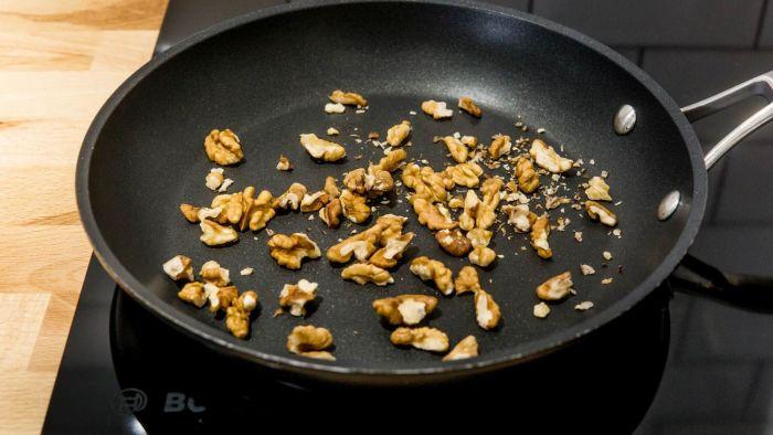 Sałatka z granatem i kurczakiem - krok 3