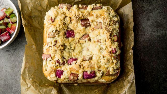 Ciasto drożdżowe z rabarbarem - krok 4