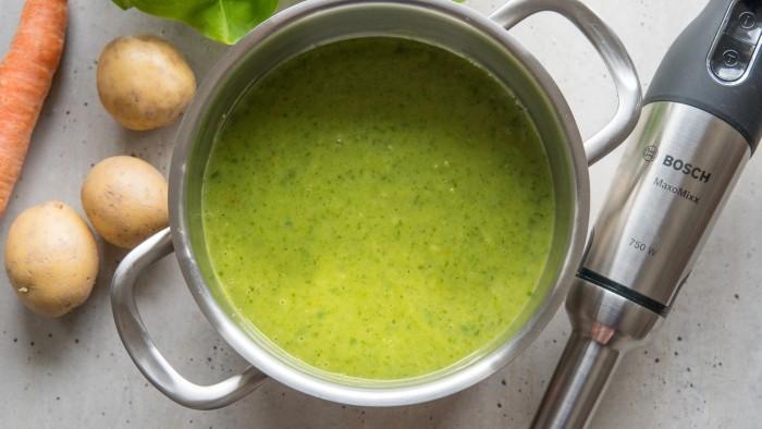 Zupa z sałaty - krok 2