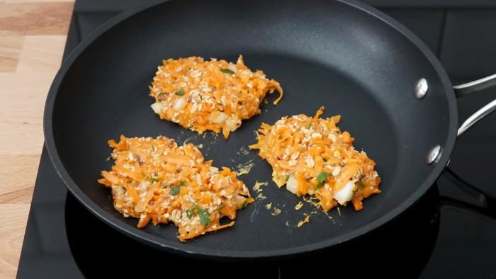 Placuszki z marchewki - krok 3