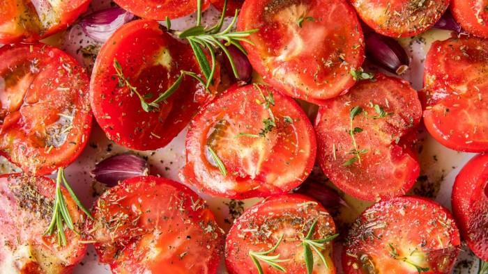 Pieczone pomidory - krok 1
