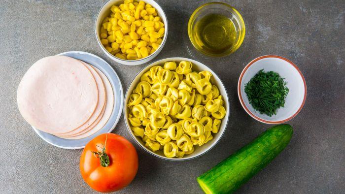 Sałatka z tortellini z szynką - krok 2