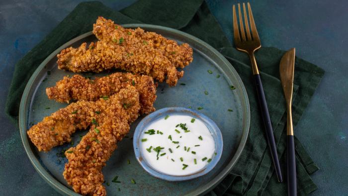 Pierś z kurczaka w panierce z ciecierzycy - krok 3