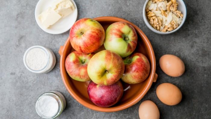Placek z jabłkami - krok 1
