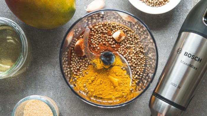 Orientalny sos mango - krok 1