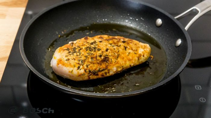 Sałatka z granatem i kurczakiem - krok 2