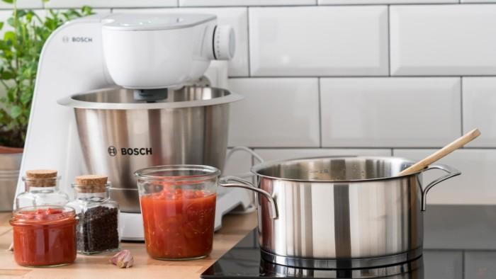 Gęsta zupa pomidorowa bez śmietany i mąki - krok 1