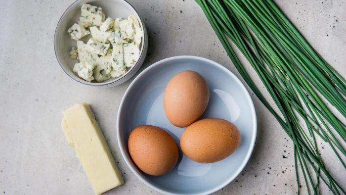 Omelette du fromage - krok 1