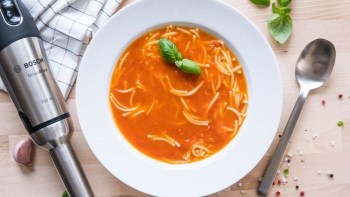 Gęsta zupa pomidorowa bez śmietany i mąki - krok 3