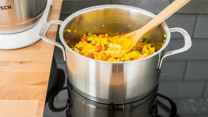 Kasza jaglana z duszonymi warzywami - krok 3