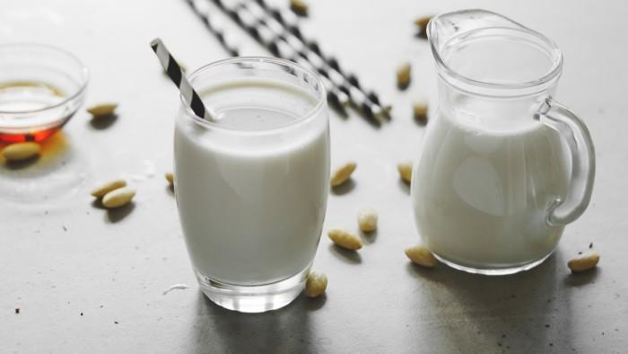 Mleko migdałowe - krok 4