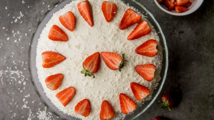 Tort truskawkowy - krok 5