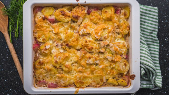 Zapiekanka z młodych ziemniaków - krok 6