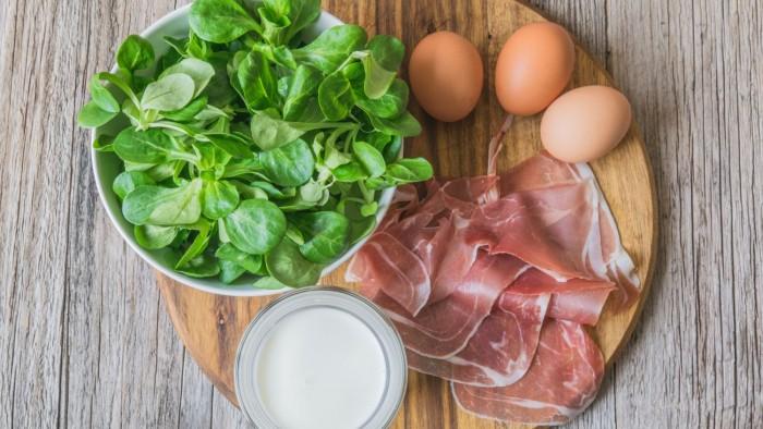 Omlet z szynką parmeńską - krok 2