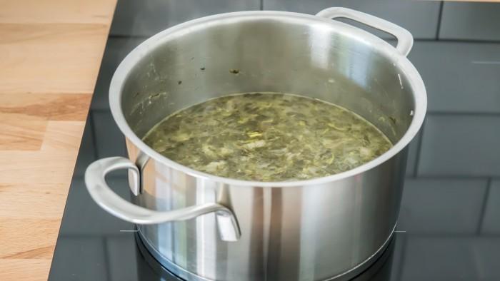 Zupa szczawiowa - krok 2