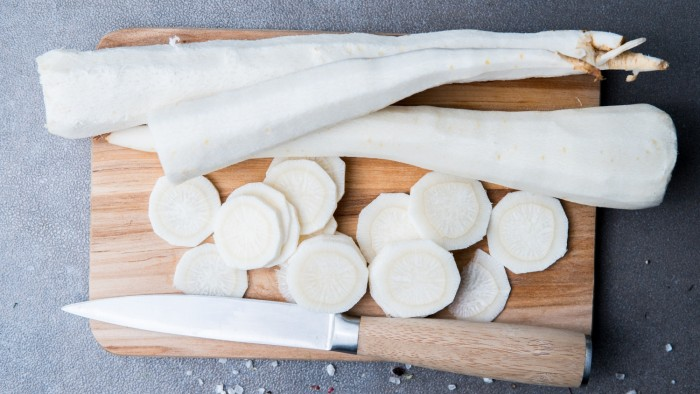 Chipsy z pasternaku - krok 1