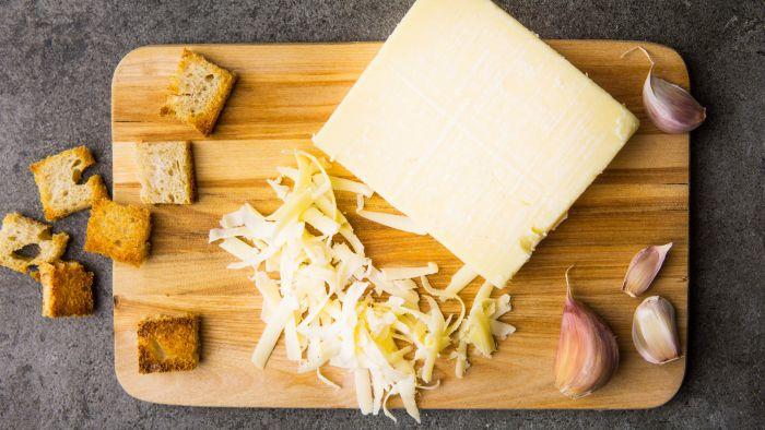 Serowe fondue - krok 1