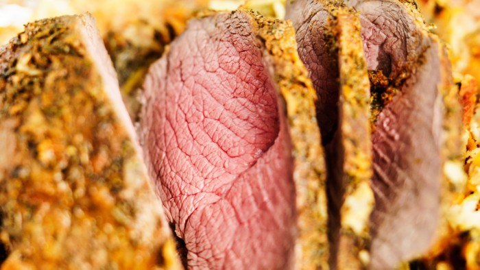 Wołowina pieczona w jarzynach i ziołach - krok 3