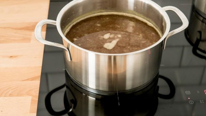 Zupa miso z łososiem - krok 2