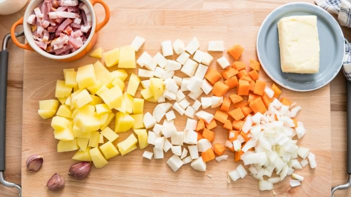Zupa ziemniaczana - krok 1