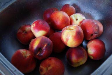 Utrzymywanie świeżości sałaty i miękkich owoców