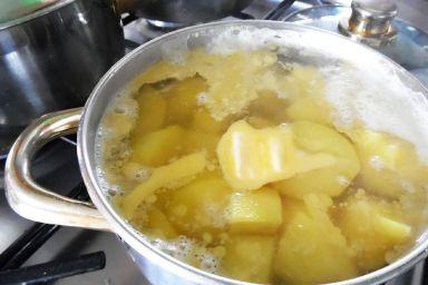 Jak szybko ugotować ziemniaki
