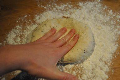Ciasto na oryginalną włoską pizzę