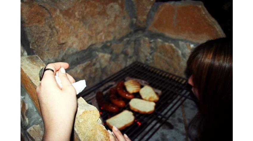 Jak wydobyć pełnie smaku z grillowanej kiełbasy?