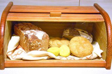 Jak utrzymać świeżość pieczywa w chlebaku?