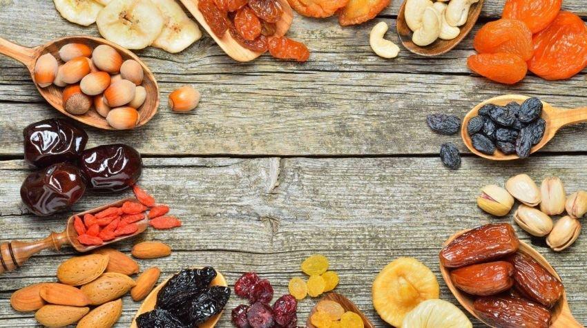 Owocowe chipsy, czyli co możemy suszyć w piekarniku