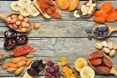 Owoce chipsy, czyli co możemy suszyć w piekarniku