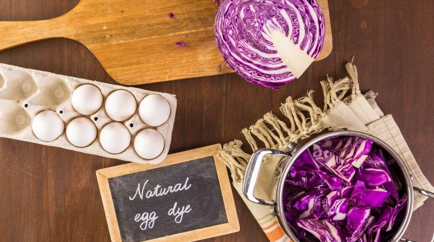 Jak zafarbować jajka czerwoną kapustą?