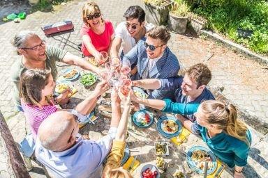 Jak przyjmować gości podczas diety?