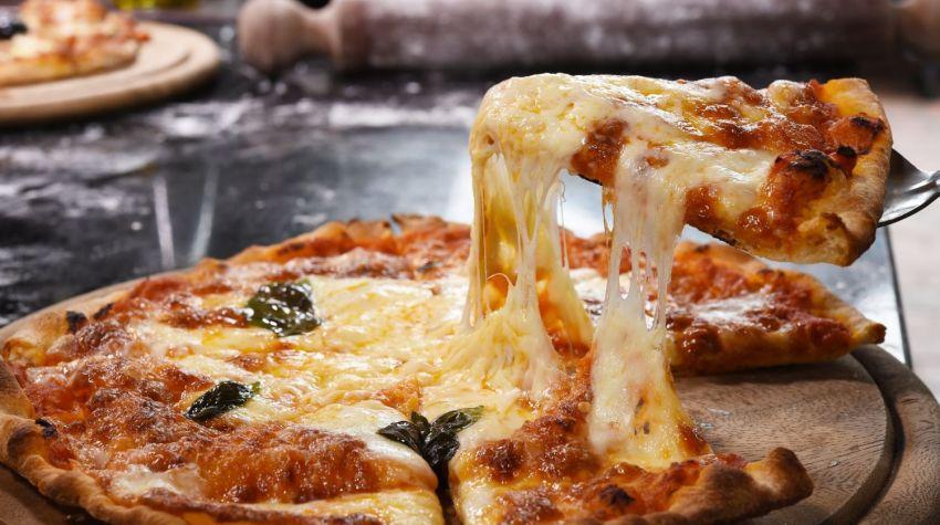 Czy ciasto na pizzę tuczy?