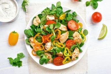 Jak dobrać składniki, czyli sekret udanej sałatki