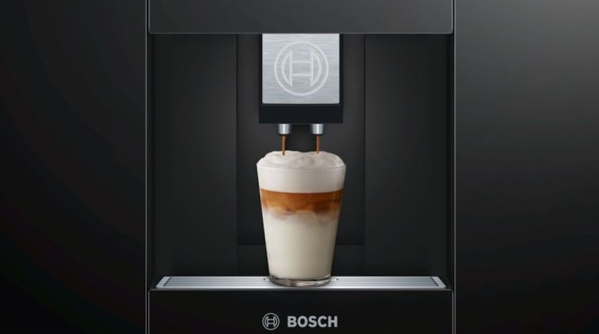 Ekspres ciśnieniowy marki Bosch sam dba o usuwanie resztek mleka