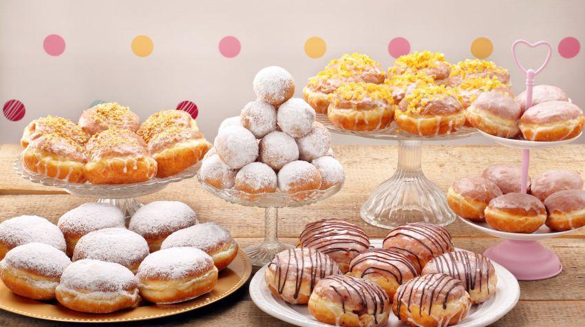 Tłusty czwartek – pączki, faworki i inne słodkie pyszności