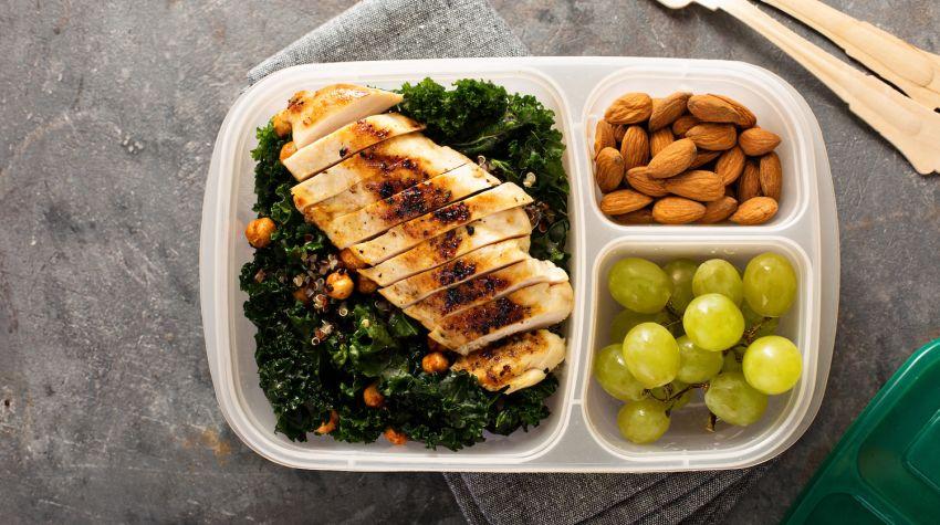 Jak skomponować zdrowy lunch box?